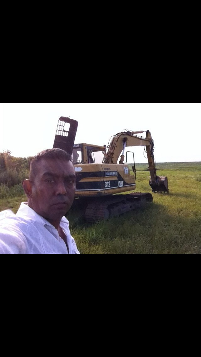 トミーのトラック、重機、建設機械、事故車、不動車、特殊車輌買取!直輸出_b0127002_2073179.jpg