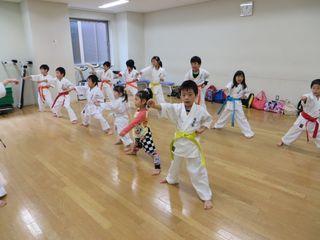 土曜日空手 秋季昇級審査会_c0118332_2312625.jpg