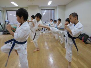 土曜日空手 秋季昇級審査会_c0118332_2314315.jpg