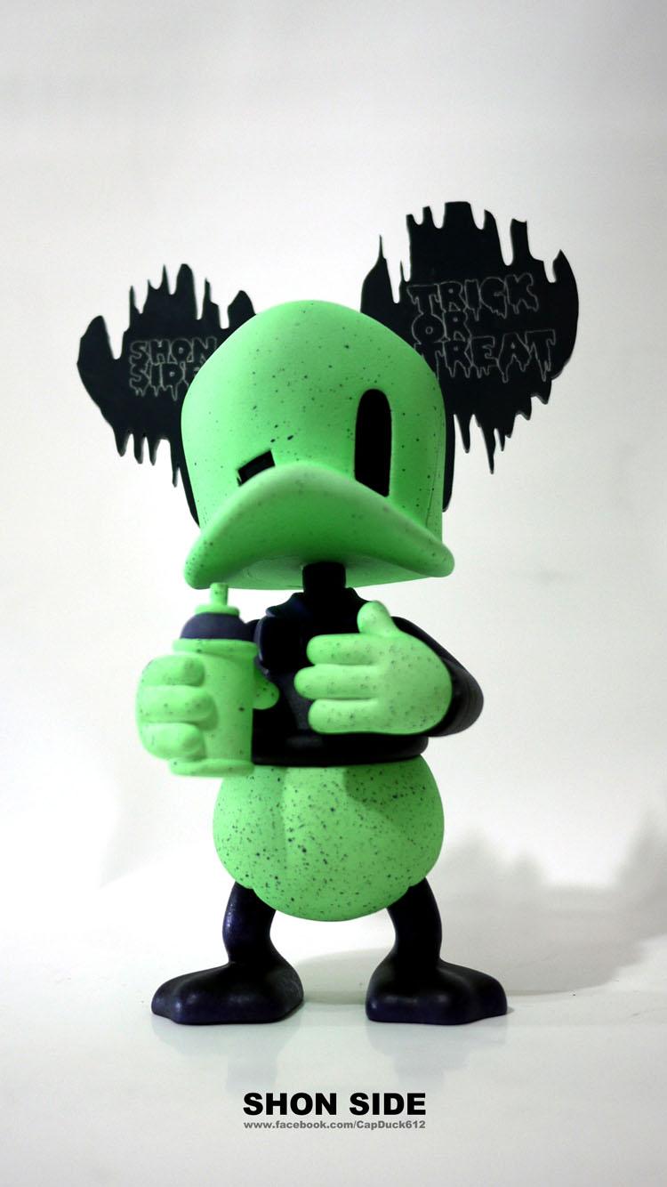 今度のハロウィンはFrankenstein Duckだって_a0077842_1226114.jpg