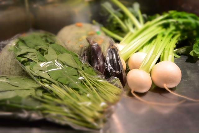 今、東京、田無産の野菜がアツい!!ここ東京でも地産地消が・・・。&10月28日(月)のランチメニュー_d0243849_23492785.jpg