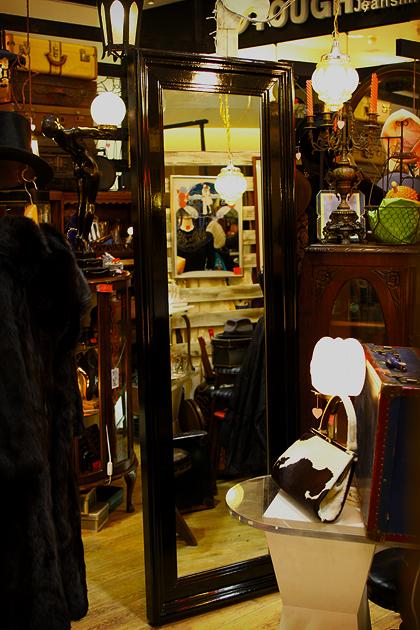 格調高き漆黒のブティック・ミラー/ワンオフ製作品_e0243096_1572410.jpg
