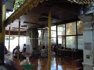 ミャンマーへ_e0044536_0261949.jpg