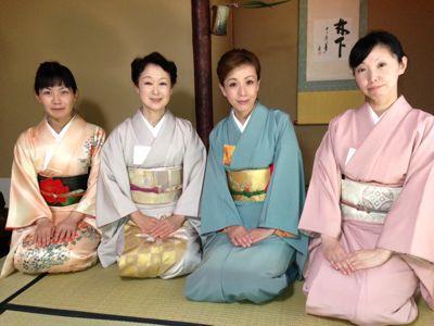 靖国神社お茶会_f0140343_1717164.jpg