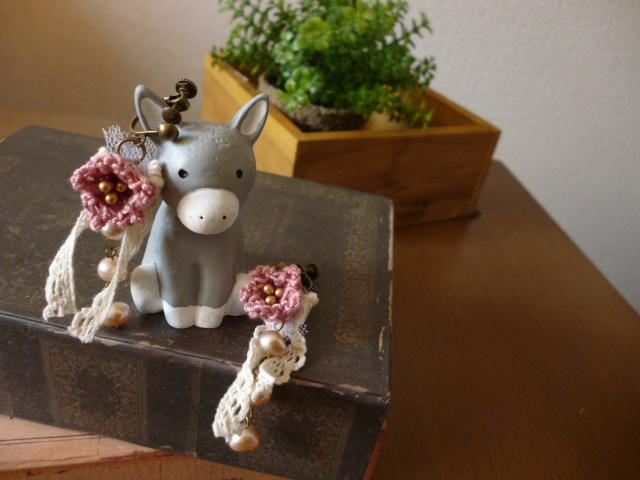 ベルのお花と淡水パールのピアス*サンドベージュ_f0254627_11463449.jpg