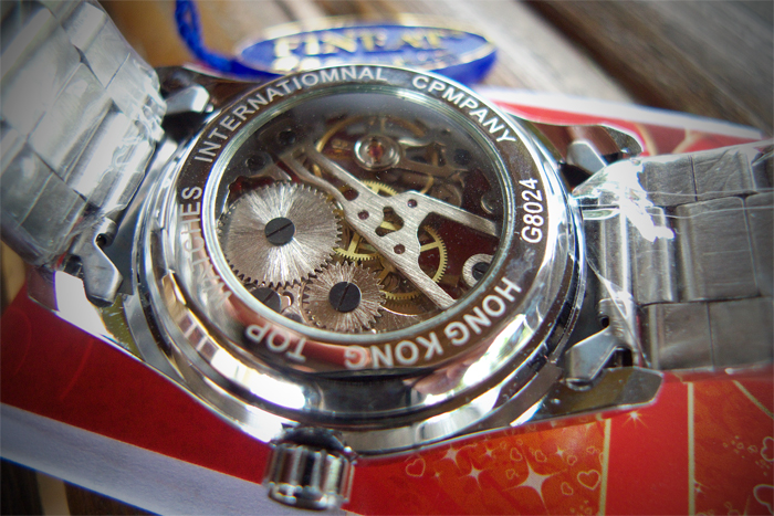 A Fineat Hong Kong watch is amazing, within + 5 seconds/day for all in all US$11.99!_e0202828_12115059.jpg