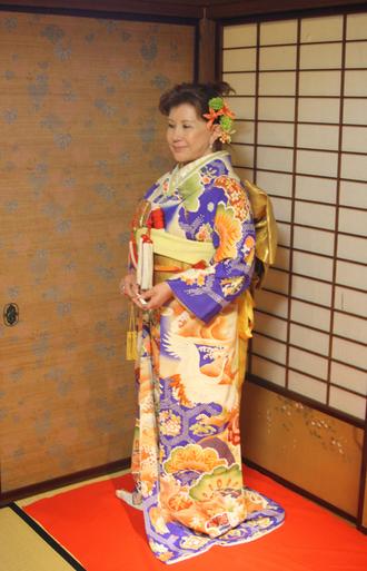 長岡のアンティーク着物 振袖レンタルの 『縁-enishi-』さんが蔵織2階和室で_d0178448_10448100.jpg