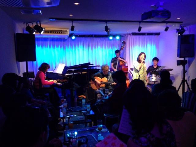 広島のJazzlive Comin 今日のライブ!_b0115606_1111855.jpg