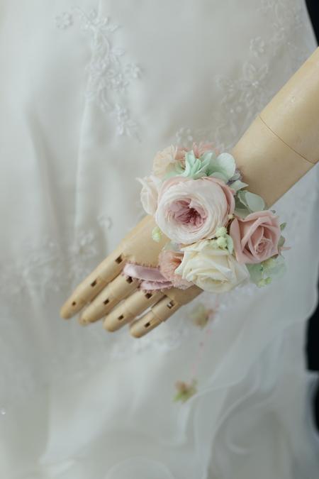 プリザーブドの花冠と手首の花飾り ニュアンスカラーで秋らしく ニューオータニ様へ_a0042928_1948396.jpg