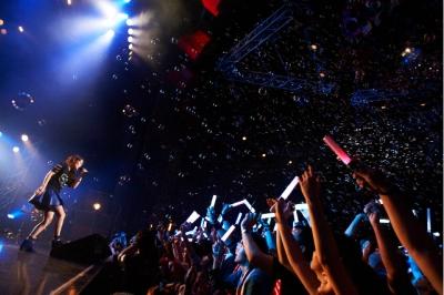 日笠陽子初のソロライブ「Glamorous Live」速報! 圧巻・圧倒のパフォーマンスに2,400人熱狂_e0025035_10272449.jpg