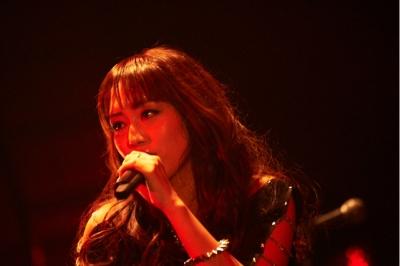 日笠陽子初のソロライブ「Glamorous Live」速報! 圧巻・圧倒のパフォーマンスに2,400人熱狂_e0025035_1027726.jpg