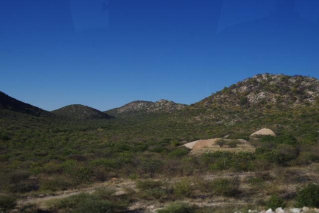 ナミビアの旅(36) カオコランドからエトーシャへ_c0011649_033672.jpg