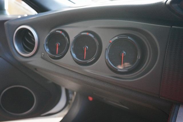 トヨタ86 3連メーター装着_a0252579_18384365.jpg