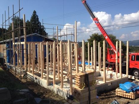 建て方始まりました。_b0283089_10101819.jpg