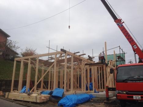 建て方始まりました。_b0283089_10121723.jpg
