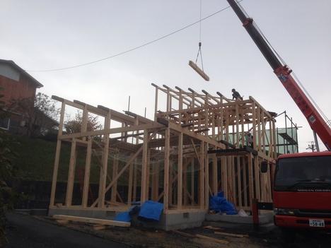 建て方始まりました。_b0283089_10132272.jpg