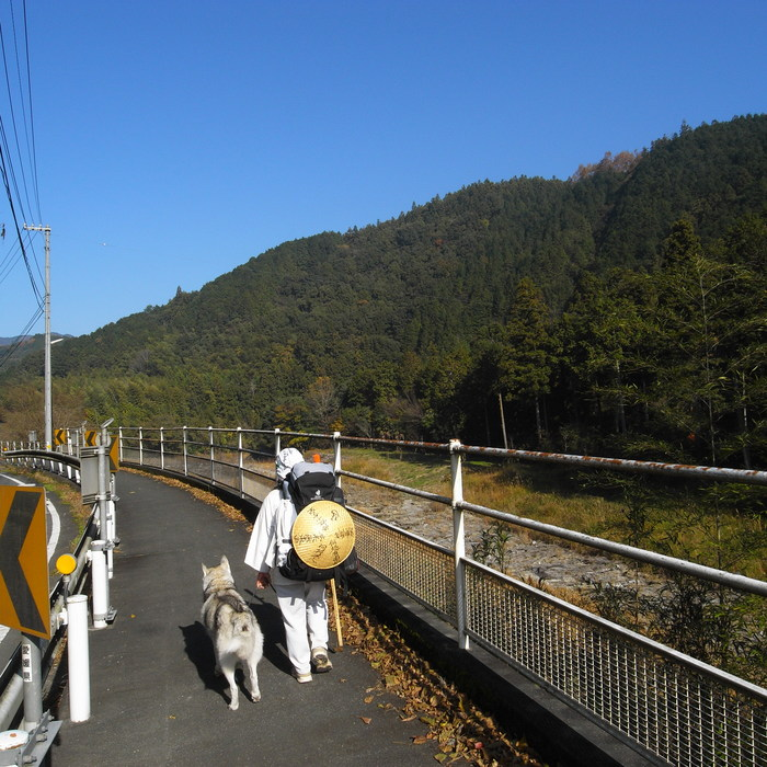 Memory of the second pilgrimage with husky HANA_c0049299_18262036.jpg