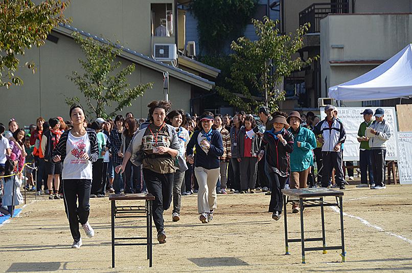 わが町の秋祭りと大運動会_e0164563_10332331.jpg