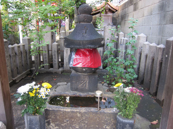 鎮守稲荷神社_a0045381_6431959.jpg