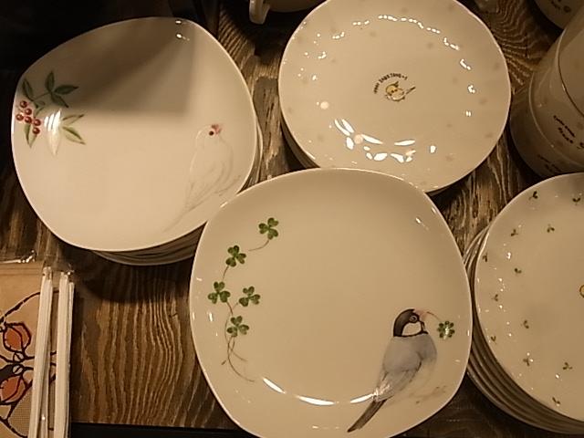 東急ハンズ梅田店、インコと鳥の雑貨展新着情報_d0322493_2322351.jpg