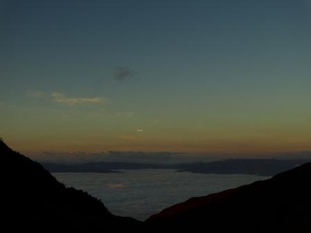 雲海の朝_e0120896_6475249.jpg