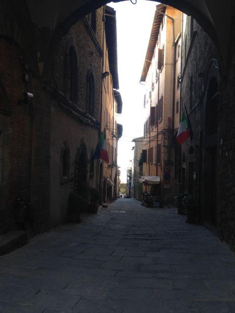 フィレンツェから日帰りで行く街〜ピエンツァ、コルトーナ_f0106597_2122340.jpg