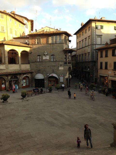 フィレンツェから日帰りで行く街〜ピエンツァ、コルトーナ_f0106597_2125792.jpg