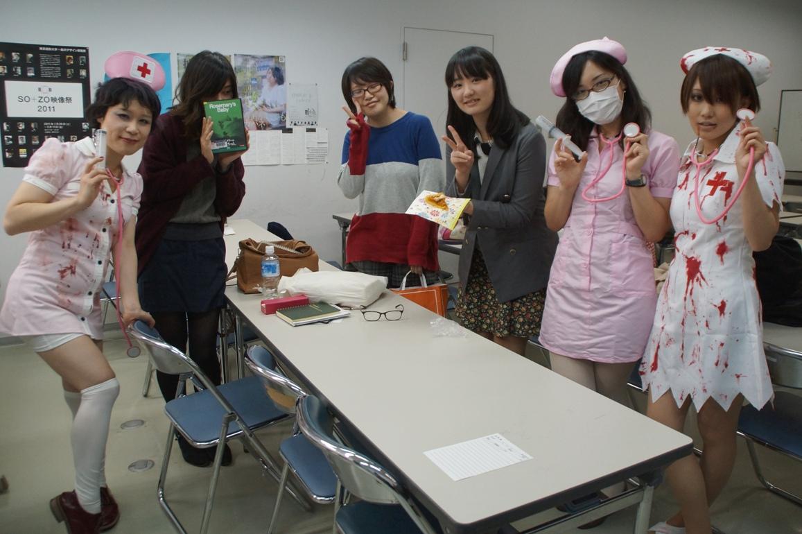 教室もハロウィーン、教材はポランスキー監督「ローズマリーの赤ちゃん」@東京造形大学映画専攻クラス_f0006713_22512987.jpg