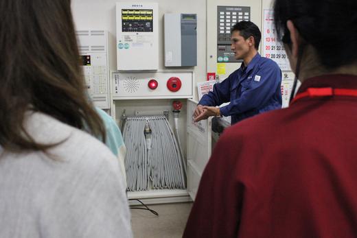 AED講習会および避難訓練と消火器の使い方講習会_d0063218_1127581.jpg