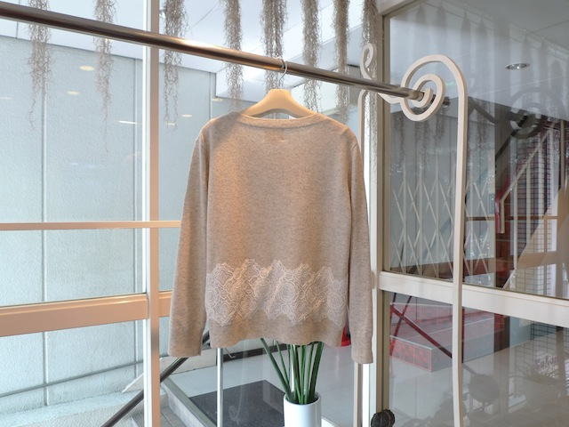 GIRL. BY BAND OF OUTSIDERS PULLOVER KNIT WITH LACE_f0111683_16242321.jpg