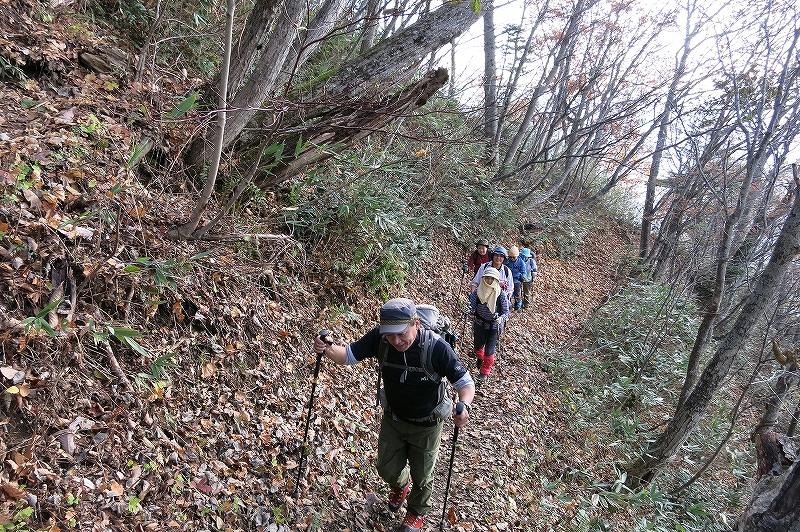 10月31日、定山渓小天狗岳、夕日岳と朝日岳-その1-_f0138096_2264615.jpg