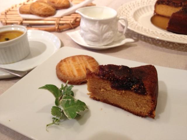 イチジクのパウンドケーキ&ガレット・ブルトンヌ_e0045565_23365750.jpg