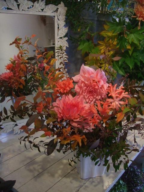 オークリーフ花の教室(赤地さんと宮原さんの作品)_f0049672_1891438.jpg