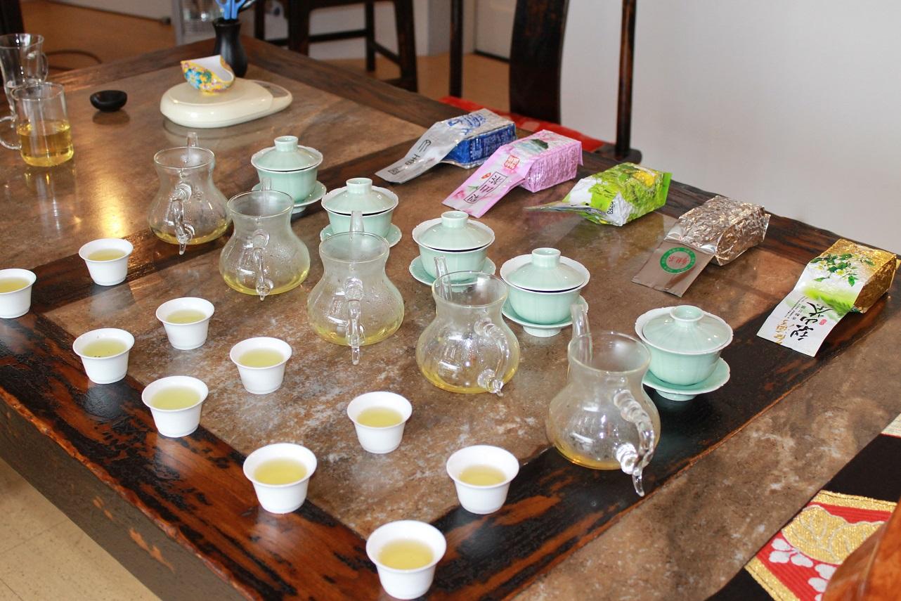 台湾高山烏龍茶の飲み比べ。_f0070743_12105917.jpg