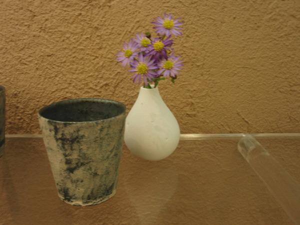 花を生け変えました。_b0132442_1834882.jpg