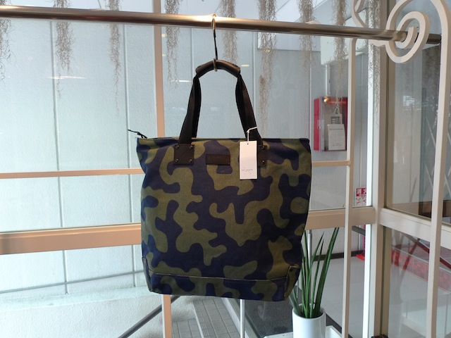 SATURDAYS SURF NYC GRAND WORK TOTE CAMOUFLAGE:SORRY,SOLD OUT!_f0111683_19412137.jpg