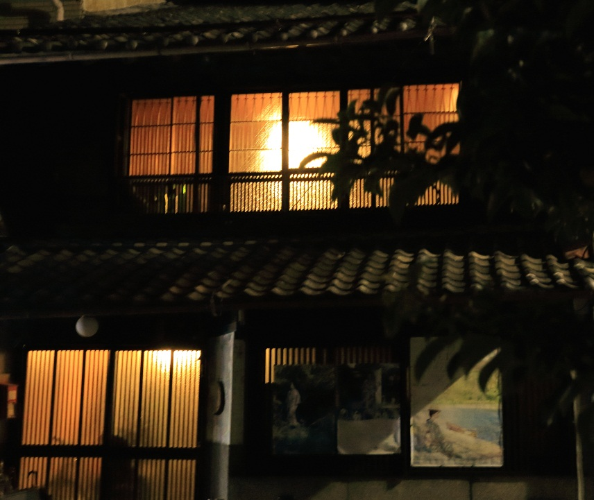 家の明かりが灯る頃_e0241944_22261277.jpg