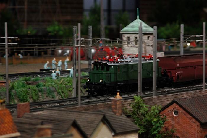 原鉄道模型博物館のジオラマ_b0145398_12103657.jpg