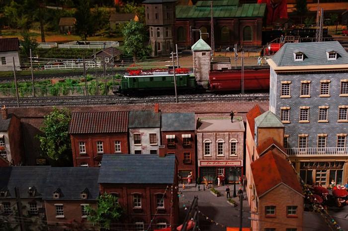 原鉄道模型博物館のジオラマ_b0145398_1294499.jpg