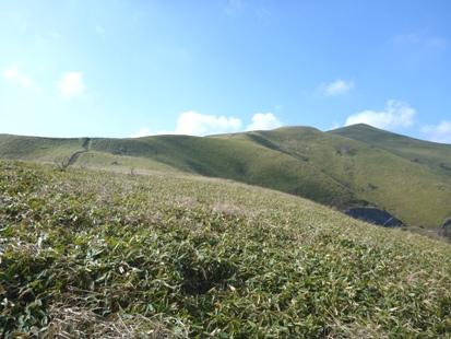 草原を登れ 三峰山_e0077899_1113515.jpg