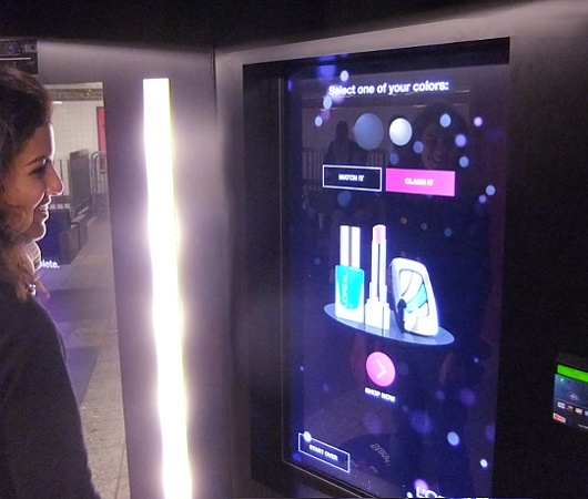 NYの地下鉄駅構内に登場したお化粧品のハイテク自販機 L'Oréal Paris Intelligent Color Experience_b0007805_10593262.jpg