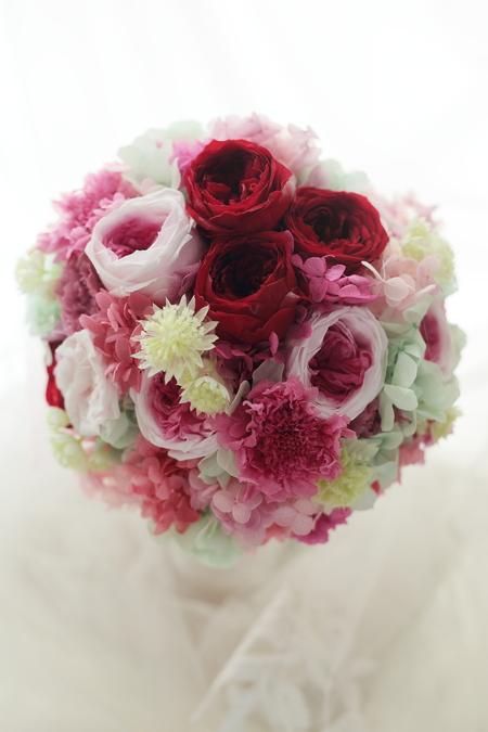 髪飾りの花鎖と4シェアブーケ セントジェームスクラブ迎賓館様へ_a0042928_12262127.jpg
