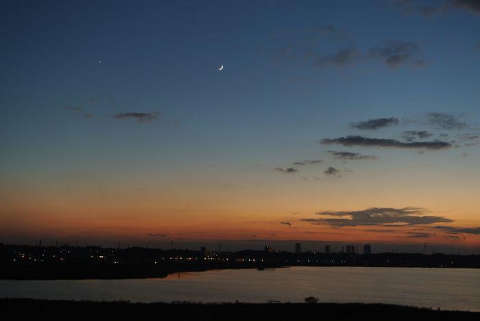月齢2.8の月と金星_e0089232_18181118.jpg
