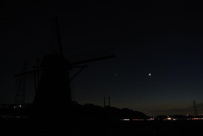 月齢2.8の月と金星_e0089232_18184943.jpg