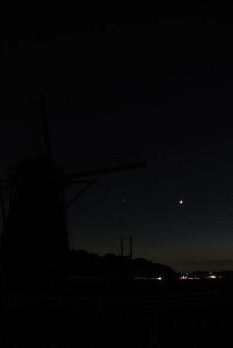月齢2.8の月と金星_e0089232_1819116.jpg