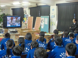 中学校訪問_a0272042_18341555.jpg