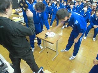 中学校訪問_a0272042_18424015.jpg