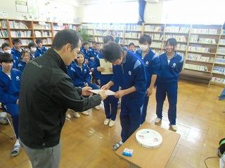 中学校訪問_a0272042_18545216.jpg