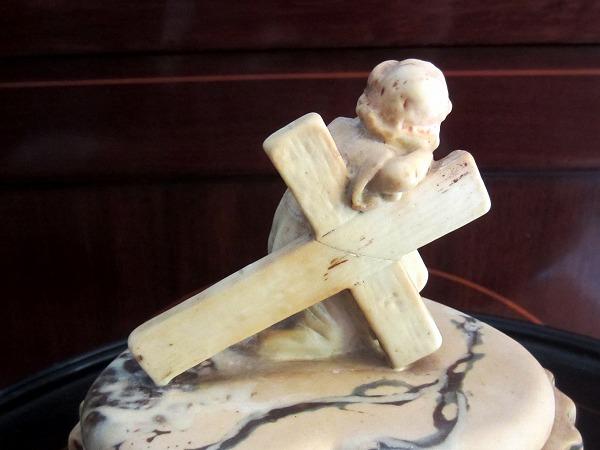 幼児イエスと十字架付きの箱 半額以下_f0112550_511881.jpg