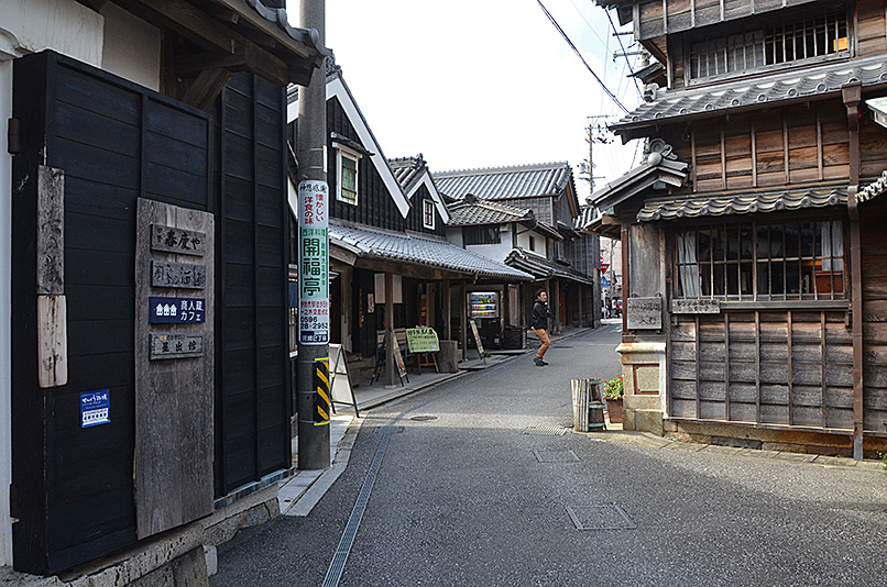 建物探訪 TUKIDEおかげ参り_e0164563_945048.jpg